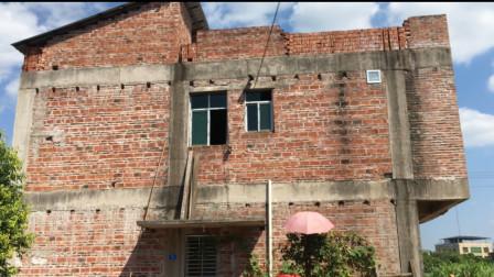 农村小伙盖新房,两层别墅140平方花费50万,看看值不值?
