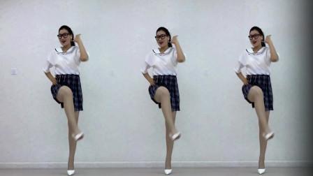 点击观看《青青世界热门广场舞视频大田后生仔》