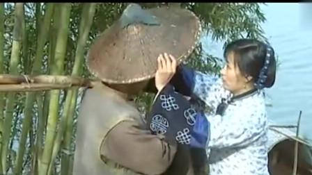 走出蓝水河:表弟离去表嫂远远眺望不舍落泪相关的图片