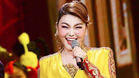 乌兰图雅曾凭这首歌一曲成名,专辑销售破百万,成为最美蒙古之花