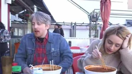中国又一美食在国外火了!老外一次吃4碗都不过瘾,网友:真香!