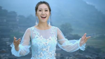 云朵果然是上过春晚的才女!挑战民歌,唱功完全辗压民歌皇后王二妮