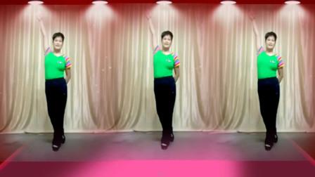 点击观看《好看广场舞视频姐最拽 阿采学跳最热舞蹈视频》