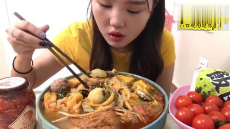 美女吃播88元麻辣烫吃到撑,真是特色小吃