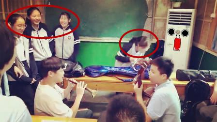 学生唢呐演奏《菊次郎的夏天》吹出了菊次郎头七的感觉,太魔性了