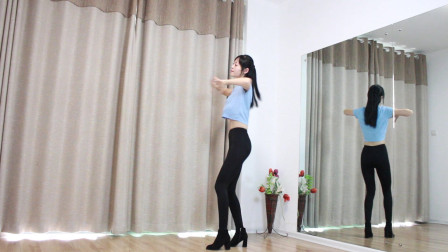 小君跳抖音热门健身舞往事如烟