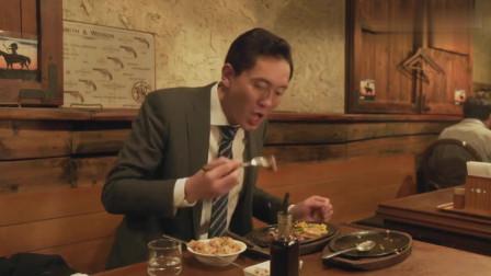 《孤独的美食家》大蒜炒饭,配上蒜香排骨,叔吃的狼吞虎咽,真香