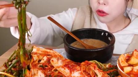 大胃王:大胃王吃播,美食吃货,牛杂汤泡饭和辣泡菜