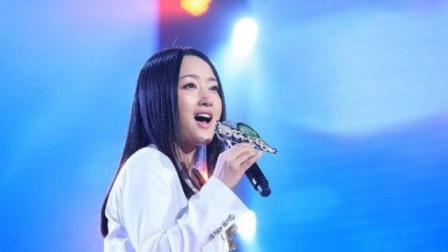 杨钰莹又火了!实力翻唱《传奇》太惊艳,让你百听不腻!