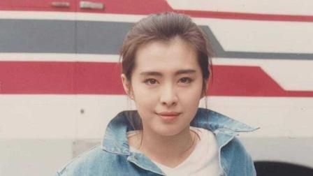 网友偶遇王祖贤宛如少女 同意签名但拒绝合影
