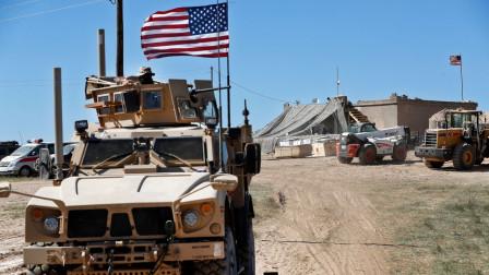 防止俄叙渡河抢夺油田,美军24小时巡逻,摆出不惜开战姿态