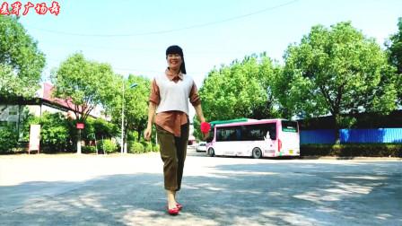 点击观看《麦芽初学鬼步舞视频《黑街DJ》》