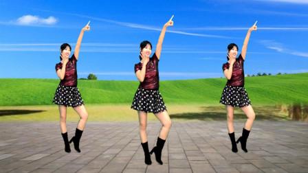点击观看《阿采超美32步广场舞教学《女人就要美美美》快快跳出你的美》