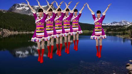 点击观看《阳光香果广场舞《雪山阿佳》演唱乌兰托娅 好听又好看》
