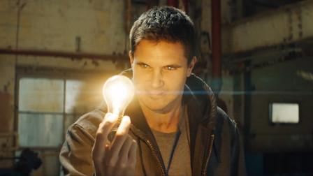 超能力者vs机器战警!科幻片《代号8》正式预告