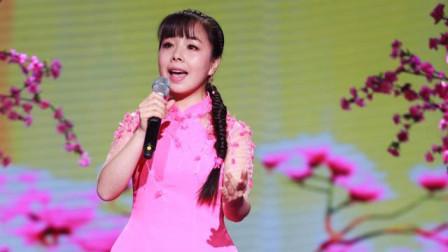 王二妮当初参赛很多人不认识她,一首歌后,众人为她着迷