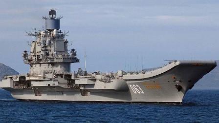 又在画大饼,俄罗斯公布10万吨核航母计划,张召忠预言或再成真