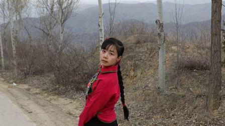 王二妮又火了,翻唱《雨花石》这唱功真不是盖的,李玉刚都服了