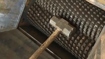 """当""""铁锤""""遇到""""粉碎机"""",本以为强强对抗!它却赢得太轻松"""