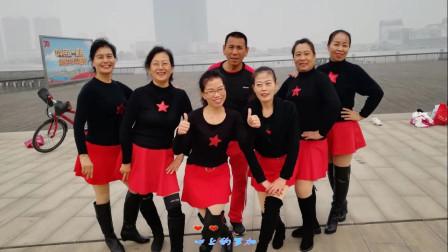 滨海多来米广场舞《心上的罗加》单人水兵舞