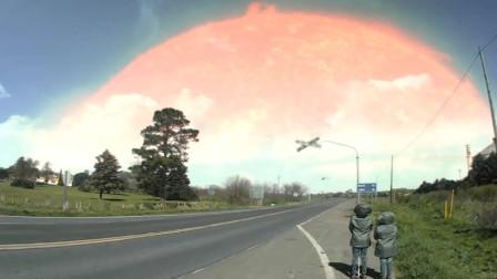 外国网友拍下天空异象画面,网友:这两位小朋友不尴尬吗?