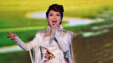 乌兰图雅当年很多人不认识她,一首歌后,众人为她着迷