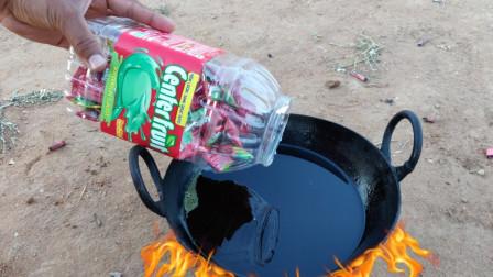 將泡泡糖放入油鍋中會成棉花糖嗎?老外作死親測,結果你猜怎么樣