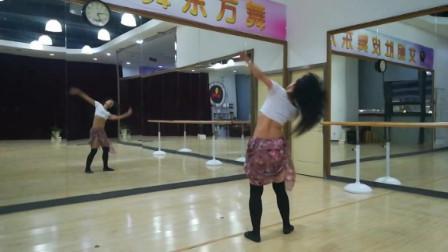 点击观看《宁波艾妮东方舞肚皮舞成品舞《我的梦》双面教学展示》