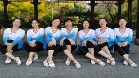 杭州城河翩翩舞队《板蓝花儿开》广场舞 编舞:赵璞玉 古典舞