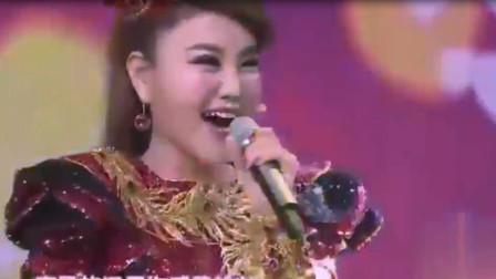 乌兰图雅霸气献唱一首歌,蒙古人唱歌好听极了,太醉人了