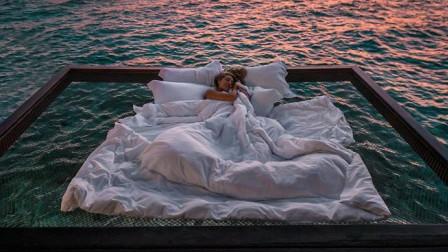 海上别墅一晚5800块,在钢丝水床上过夜看星空,这个价位值得吗?