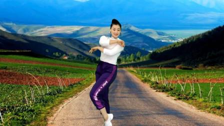青青世界跳曳步舞视频《爱你在心口难开》越跳越喜欢