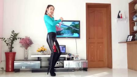 点击观看《京京2019年末网红舞视频带你一起去流浪》