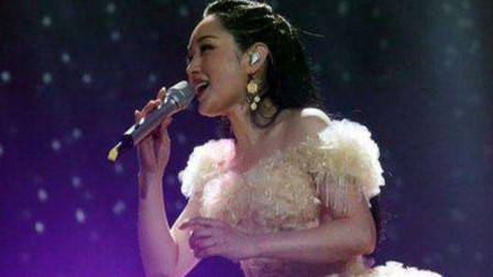 杨钰莹真敢唱,真不知道她怎么开口唱的这首歌,一般人不敢听