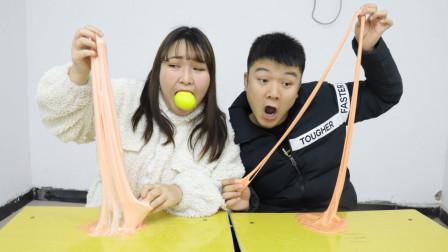 学生无硼砂PK起泡200下,输的要无表情吃柠檬,表情太逗了