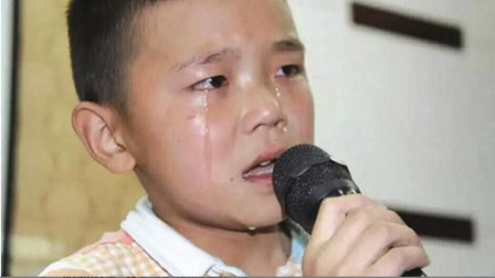 打死我也不敢再听6岁小孩这首《一壶老酒》,听一次哭一次,听完撕心裂肺