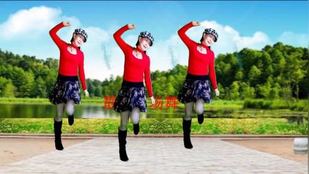点击观看《静儿欢快活泼32步广场舞视频《热辣辣》适合冬天跳真暖身》