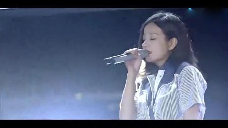 不愧是实力派歌手,赵薇2019又唱一首歌太惊艳了,真正的千古绝唱