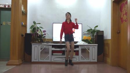 霞彩飞扬广场舞《其实我们都有故事》中年大姐爱跳舞蹈