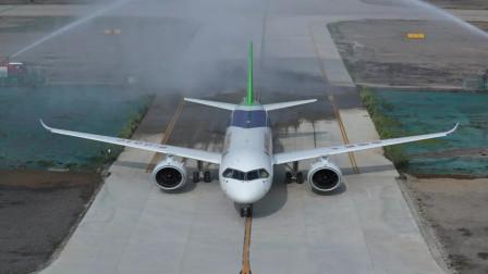 为什么飞机刚降落,就有两辆消防车冲上去喷水?不是你们想的那样