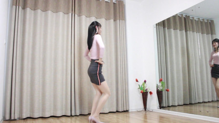 火辣小媳妇小君广场舞 经典老歌《追梦人》