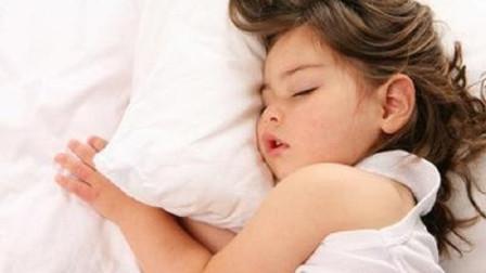 为什么人在睡觉时会流口水?专家说出真相,现在知道还不晚!