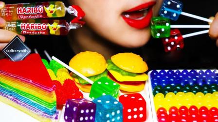 小姐姐吃炫彩的糖果大餐,都是吃播界最流行的