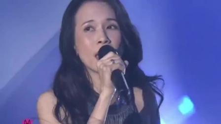 李荣浩为莫文蔚打造的深情单曲,《慢慢喜欢你》,这演绎打动人心