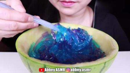 吃货小姐姐:吃播彩色软糖面条,发出的咀嚼声!