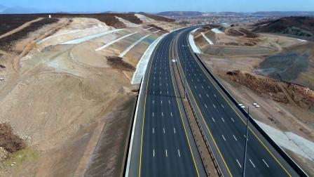 专家用600吨垃圾,修出一条高速公路,网友:修的路结实吗?