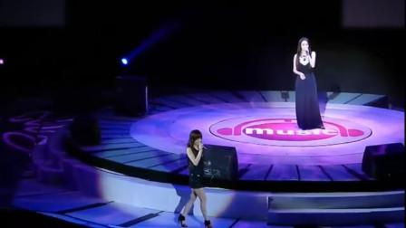 娱乐圈最可悲的歌手!被导演安排和死对头同台,两人全程无和声