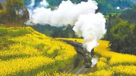 火车因一18岁少年改道,部队在铁轨上为他修墓,北京市民为他树碑