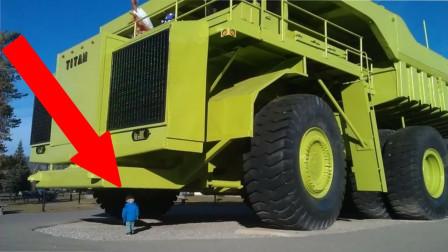"""造价高达2亿的""""巨型""""卡车,自重达到470吨,一天油耗7万元"""