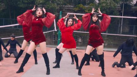 点击观看《小姐姐红色旗袍带来实力热舞,女王范十足》